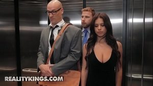 Image Sneaky Sex – (Sean Lawless, Autumn Falls) – Going Down – Reality Kings